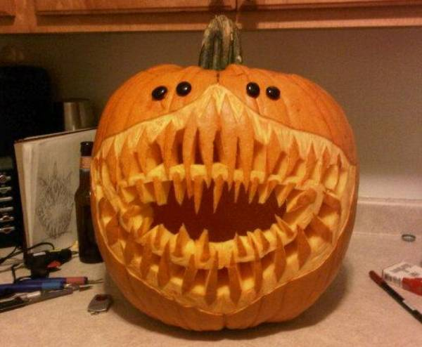 Awesome Halloween Jack-o-Lanterns Shark Mouth Halloween Pumpkin