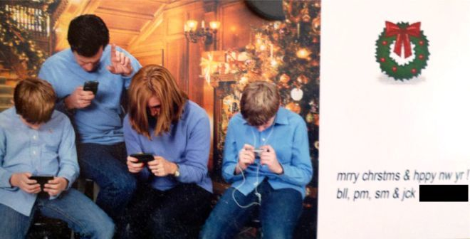 Awkward Christmas Cards Family On Their Smart Phones