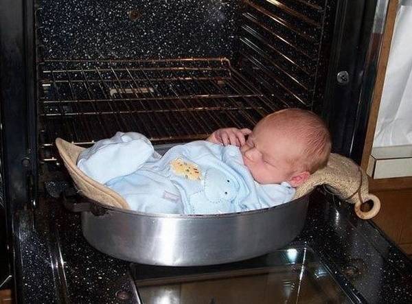 Terrible Parents Put Their Baby In The Oven