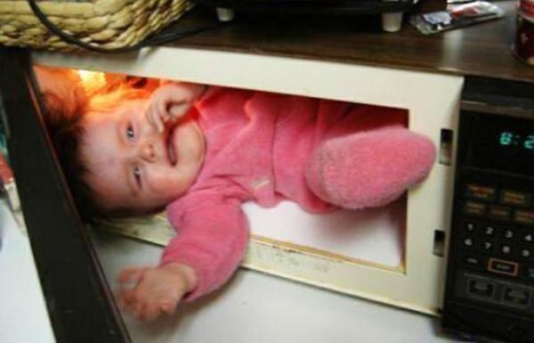 parenting-fail-baby-microwave
