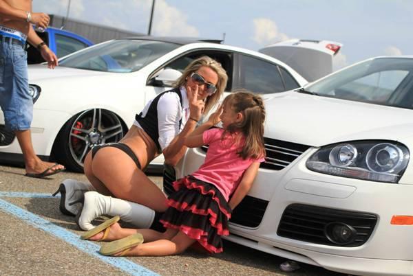 parenting-fail-car-thong