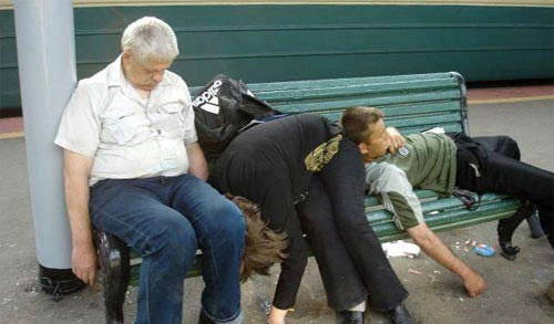 drunk photos bench The Best Worst Drunks We Know