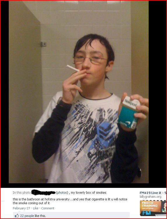 facebook-fails-2012-bathroom-smoking