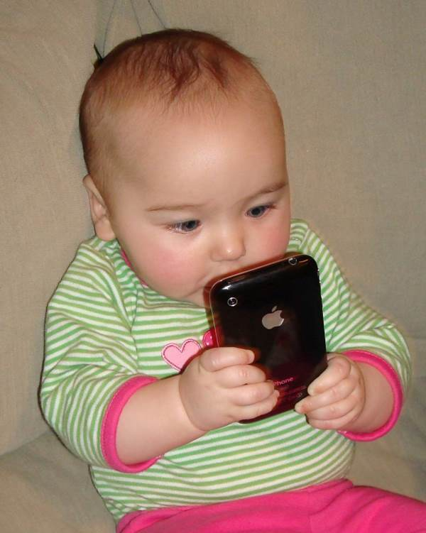 iphone-ruining-everything-this-is-terrible-for-your-baby-on-so-many-levels