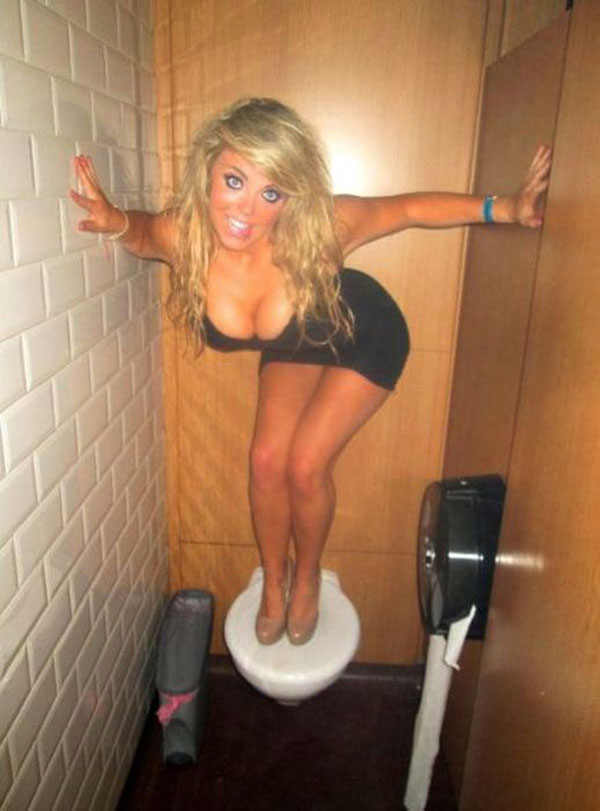 best viral pictures 10 toilet The Best Viral Pictures of the Week, Volume 10