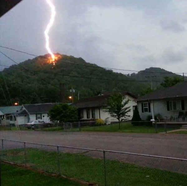 best-viral-pictures-11-lightning