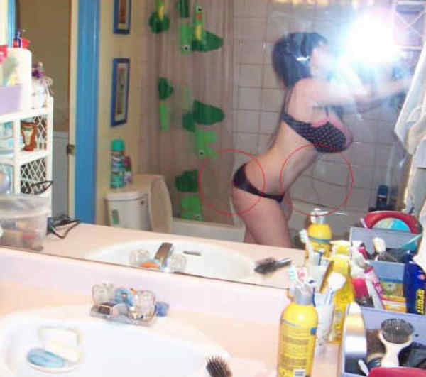 funniest-facebook-photoshop-fails-boobs