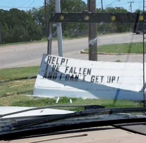Funny Signs Fallen