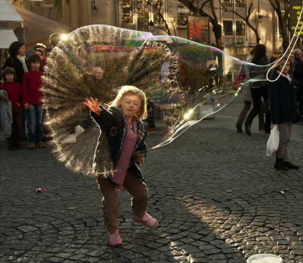 Perfect Angle Bubbles
