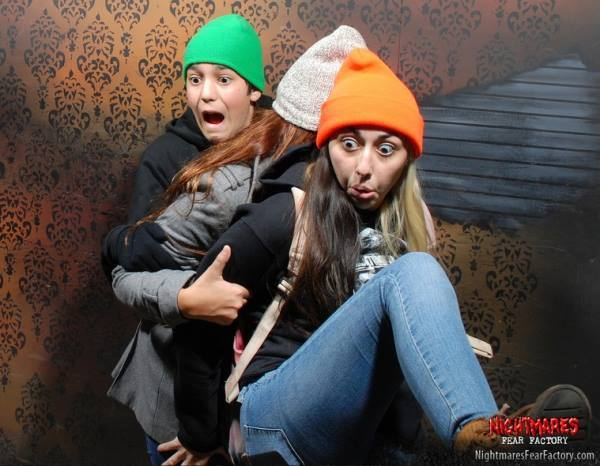50 Hilariously Ridiculous Haunted House Reactions