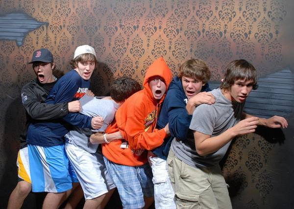 Bro Group At Haunted House