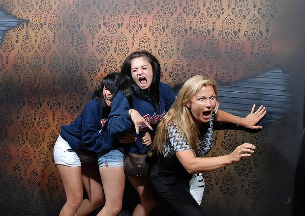 50 Hilarious Terrified Haunted House Reaction Pictures