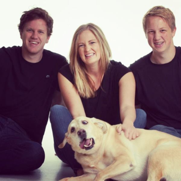 Animals Being Jerks Ruined Family Portrait