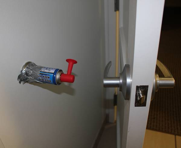 Genius Pranks Air Horn