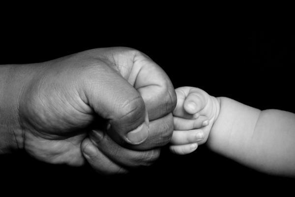 baby-fist-bump