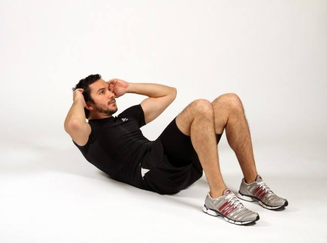 guy-doing-situps