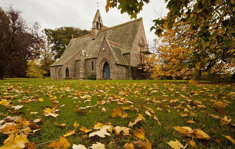 colorful-fall-photos-autumn-church