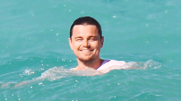 leonardo-dicaprio-swimming