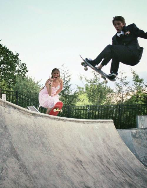 Prom Photo Fail Skateboarding