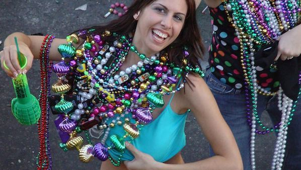 mardi-gras-women-beads-boobs-pics-redhead-teens-stripping