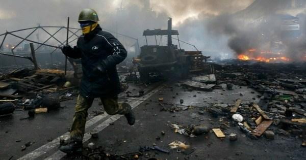 putin-ukraine-independence-square
