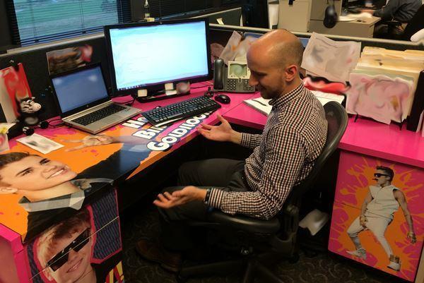 Justin Bieber Desk