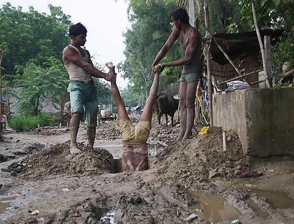 Team Digging