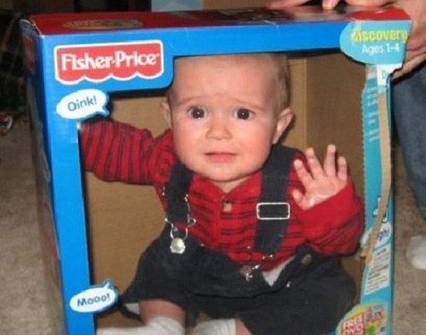 Crianças em Perigo Bebê na caixa