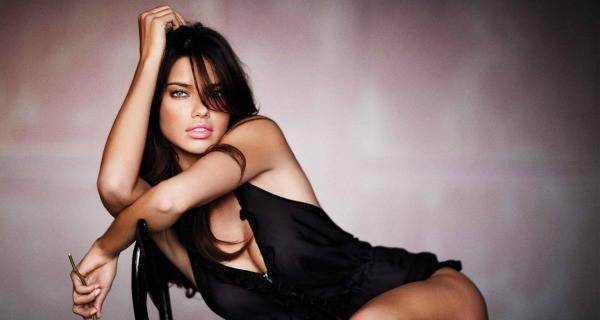 Adriana Lima Celeb Not Younger