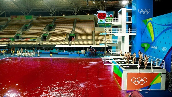 Green Pool Olympics Photoshops