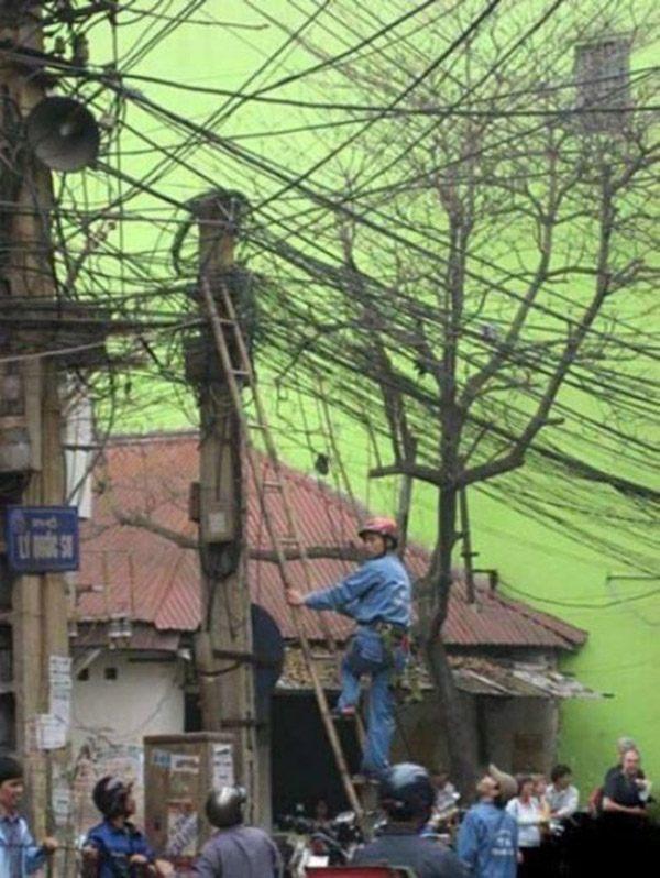 Crazy Electrician Worst Job Ever