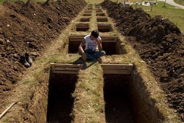 Worst Jobs Grave Digger