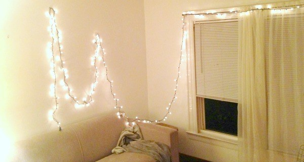 Single_strand_christmas_lights