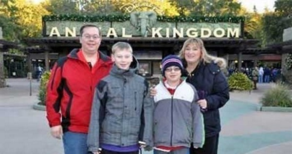 Anal Kingdom Family Photo