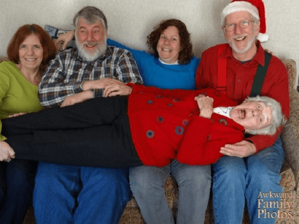 dead granny at its best - Awkward Christmas Family Photos