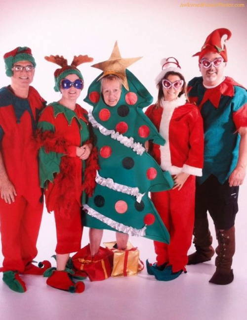 Funny Awkward Christmas Photos