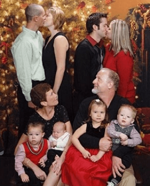 Uncomfortable Christmas Picture Shot