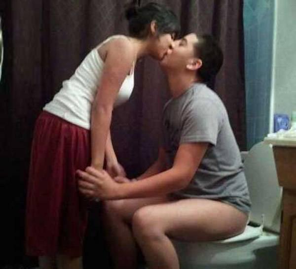 Toilet Kiss