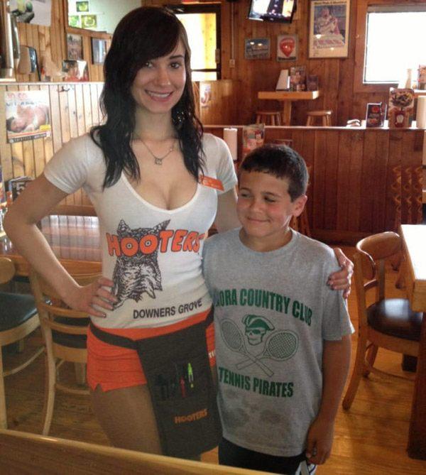 Hooters Kid