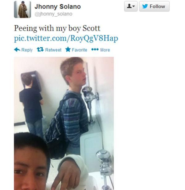 Pee Scott Selfie