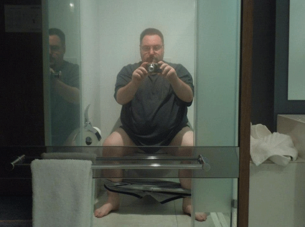 Pooping Pic