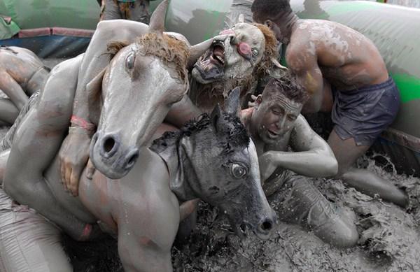 Mud Horsemasks