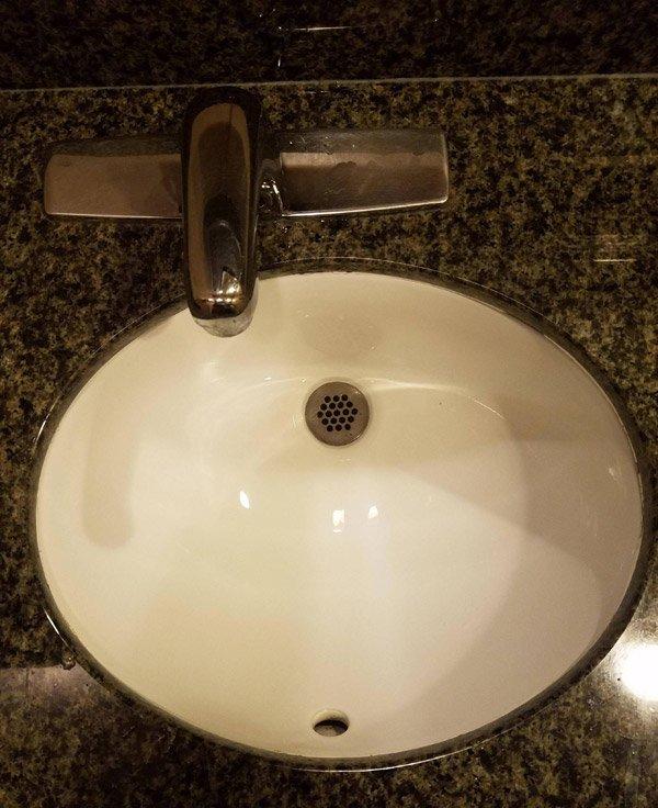 Misaligned Sink